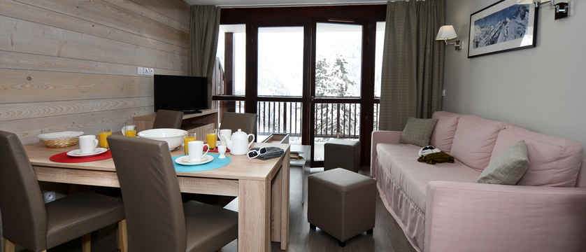 france_flaine_panoramic-apartments_living-area2.jpg
